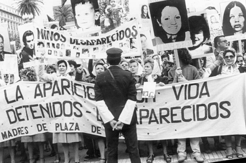 Historia Las Abuelas Abuelas De Plaza De Mayo