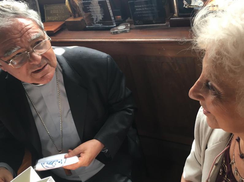 <p>El Presidente de la Conferencia Episcopal Argentina mantuvo una reunión para sumar la colaboración de la Iglesia a la búsqueda de los nietos y nietas</p>